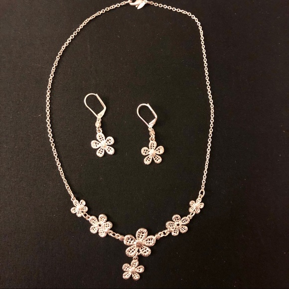 Jewelry Flower Necklace And Earring Set Poshmark